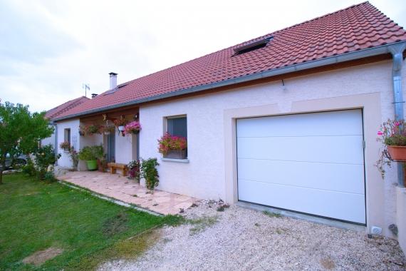 Maison 6 pieces sur 2 niveaux 185 m²