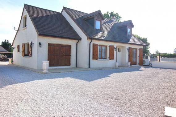 Maison 6 pièces de 145m² sur terrain de 1250m²