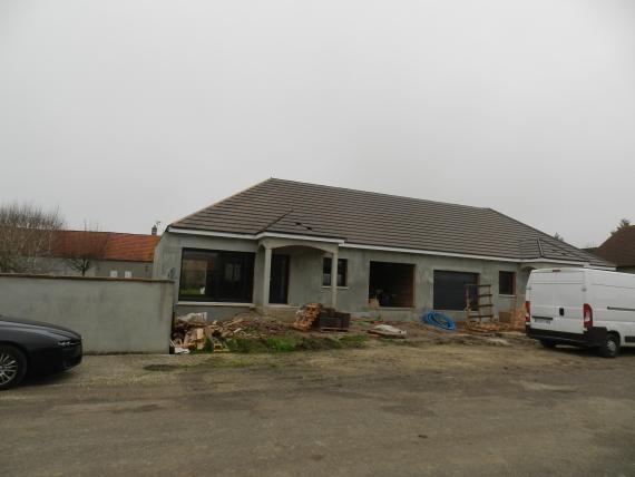 Maison de plain pied hors d'eau hors d'air, 3 chambres, garage et terrain de 505 m²